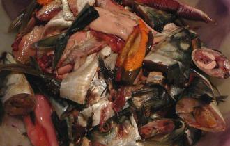 Рыба и продукты переработки рыбы (в том числе лосось)